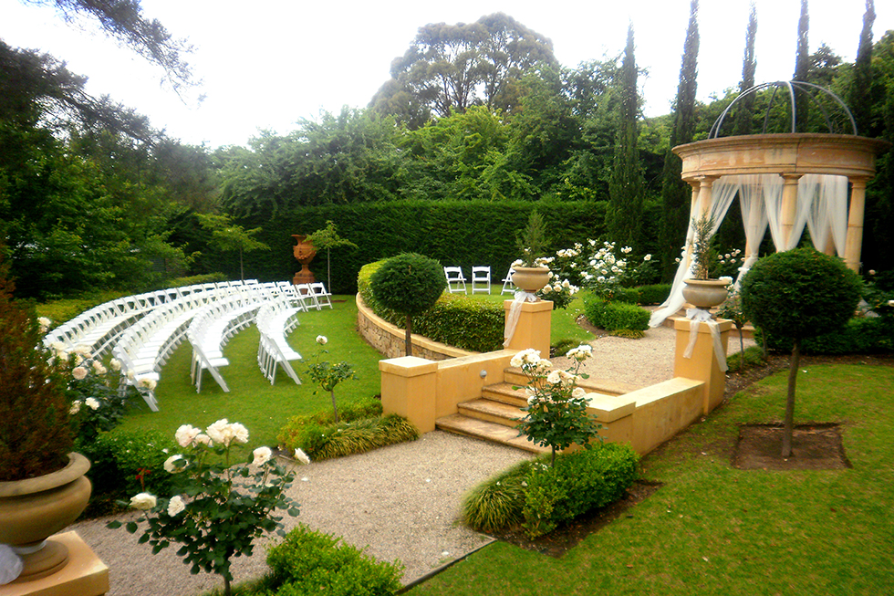Adelaide hills garden weddings silvestri 39 s of clarendon for Adelaide hills landscape